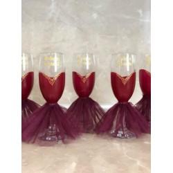 Чаши за моминско парти с рокли и надпис